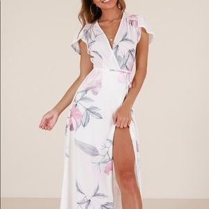 Feel The Burn maxi dress in white floral (S)